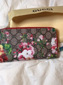 Flowered wallet for Sale in Boston,  MA