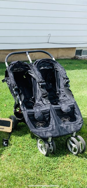Stroller city mini double with rain cover like new !!!!! for Sale in Queens, NY