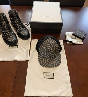 Gucci GG Leather Caleido Snapback Hat. for Sale in Milwaukee, WI