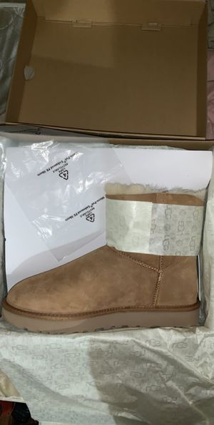 Ugg boot bailey boot size 10 womans for Sale in Little Rock, AR