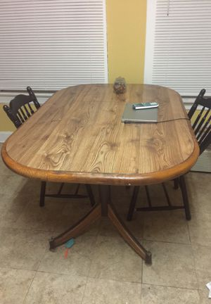 Kitchen Table and two chairs for immediate sale for Sale in Cleveland, OH