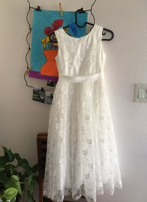 A line wedding pageant lace flower girl dress with belt size 8 ivory colored for Sale in Beaverton, OR
