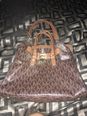 Michael Kors large purse for Sale in Fresno, CA