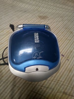 George Foreman Grilling Machine GR10ABW White Champ Grill with Bun Warmer for Sale in Sherwood, AR