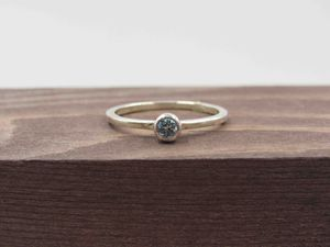 Size 7 Sterling Silver Thin Blue Topaz Band Ring Vintage Statement Engagement Wedding Promise Anniversary Bridal Cocktail Friendship for Sale in Everett, WA