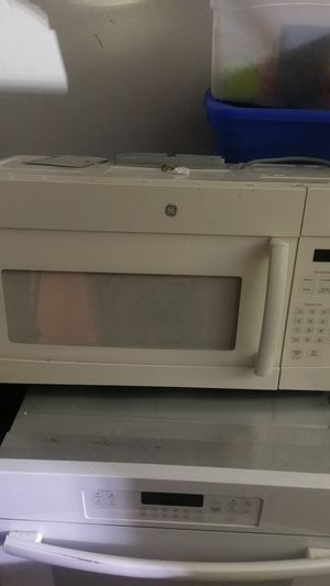 GE under counter.microwave oven for Sale in Phoenix, AZ