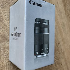 Canon EF 75-300mm f/4-5.6 III for Sale in Cotati, CA