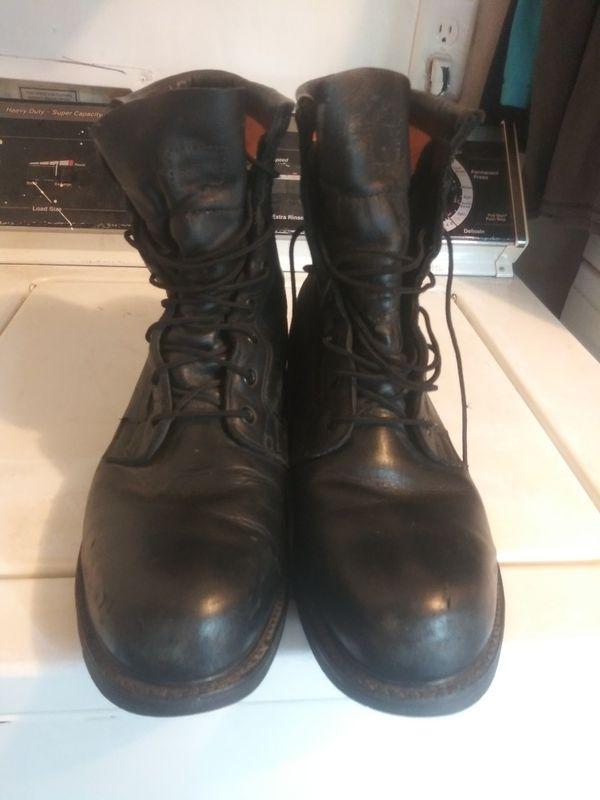 Vibram steel toes boots like new