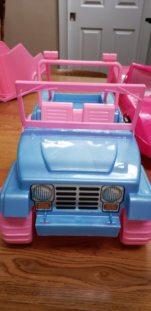 1990's Plastic Fashion Girl Jeep With horse and Trailer Plus Corvette for Sale in Palm Bay, FL