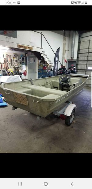 14' boat and trailer for Sale in Warwick, RI