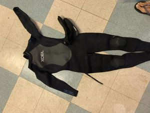 Xcel woman's wetsuit , SZ 8 short with SZ 7 O'Neil booties for Sale in Los Angeles, CA