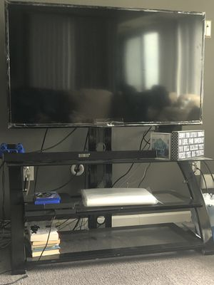 55in Samsung LED Smart TV, TV stand & Samsung Sound bar for Sale in West Bloomfield Township, MI