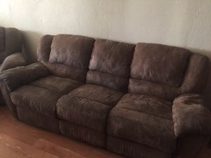 Couch and love seat BO for Sale in Caruthers, CA