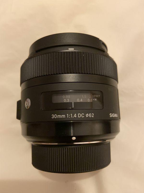 Sigma - 30mm f/1.4 DC HSM A Digital Prime Lens for Select Nikon DSLR Cameras - Black