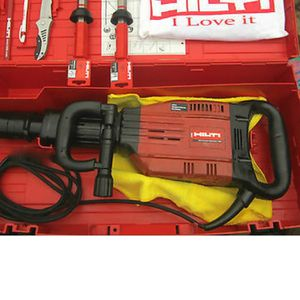 Hilti Jackhammwr TE 905 Avr for Sale in Kansas City, MO