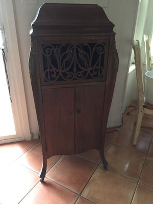 Antique Liquer Cabinet for Sale in San Antonio, TX