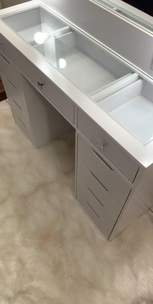 Makeup vanity for Sale in Carson, CA