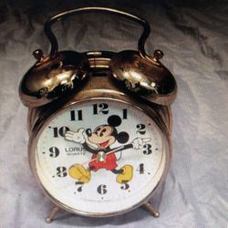 Lorus Quartz Mickey Mouse Alarm Clock for Sale in Costa Mesa,  CA