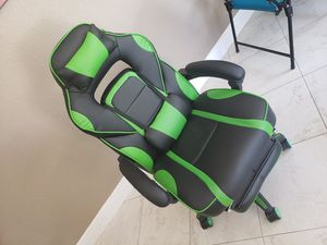 Gaming chair for Sale in Boca Raton, FL