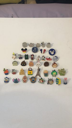 Disney pins assorted Disney characters a bunch of others and more from Disneyland READ DESCRIPTION for Sale in Carson, CA