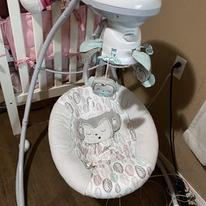 Baby Swing for Sale in Prineville, OR