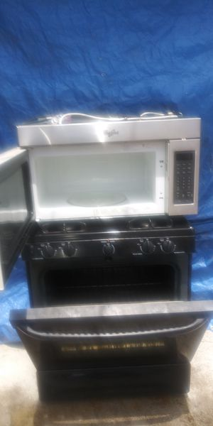GE stove with upper microwave for Sale in Antioch, CA