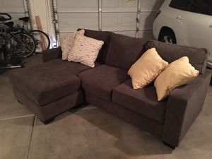 Sectional couch in like new condition for Sale in Peoria, AZ