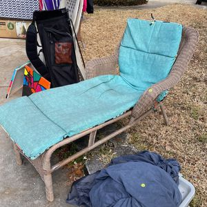 Outdoor Lounger for Sale in Orlando, FL