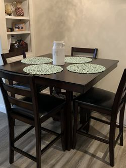 Bar Height Table With Chairs for Sale in San Diego,  CA