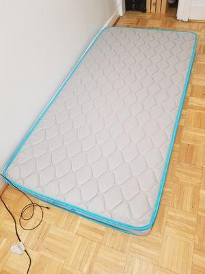 Twin size mattress (Linenspa) for Sale in Brooklyn, NY