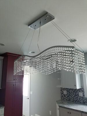 5 light kitchen island pendant , chandelier for Sale in Livonia, MI