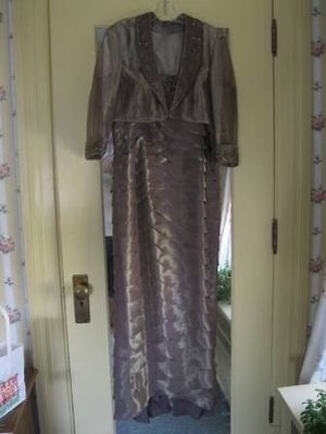 Mother of the Bride/Groom dress for Wedding for Sale in Waynesburg, PA