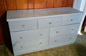 Dresser for Sale in Washburn, IL