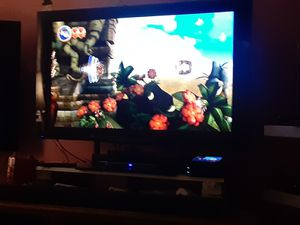 Pioneer 50inches TV with 4 HDMI ports with remote control for Sale in Washington, DC