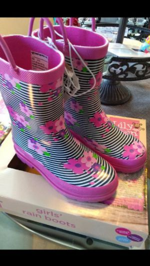 Cute Rain boots for Sale in El Monte, CA