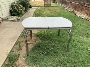 vintage table for Sale in Fresno, CA