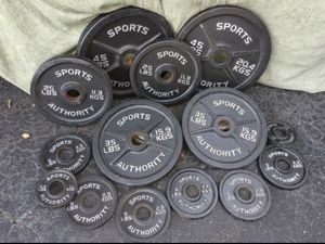 SPORTS AUTHORITY FULL SET OF OLYMPIC PLATES : PAIRS OF : 45s. 35s. 25s. 10s. 5s. 2.5s for Sale in Pompano Beach, FL