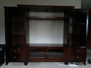 Used center TV stand. for Sale in Federal Way, WA