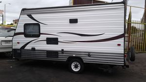 2014 Cherokee wolf pup 16ft travel trailer for Sale in Huntington Park, CA