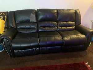 Free sofa for Sale in Lawndale, CA
