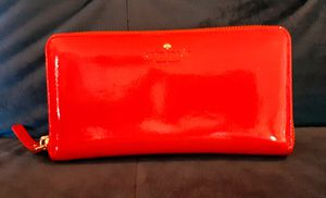 Kate Spade patent leather Zip around Wallet!! for Sale in Portland, OR