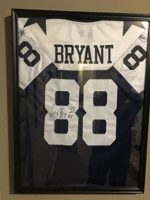 Dez Bryant Autographed Jersey- case included for Sale in College Station, TX