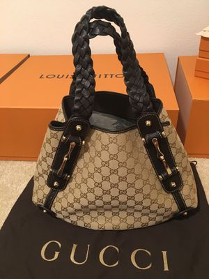 Guarantee Authentic Gucci Shoulder Bag... I have Louis Vuitton Bags too for Sale in Riverside, CA