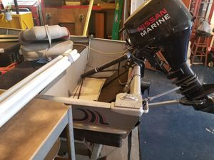 Bass boat with fish finder, trolling motor for Sale in Terra Alta, WV