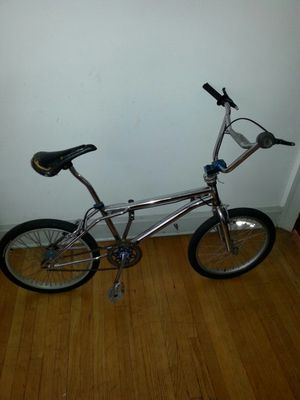 R U. Bike bicycle bmx for Sale in Chicago, IL
