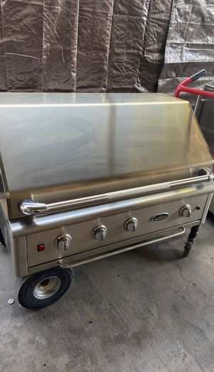 Capital BBQ grill with Roaster for Sale in Las Vegas, NV