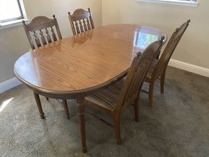Dining room table for Sale in Penn Valley, CA
