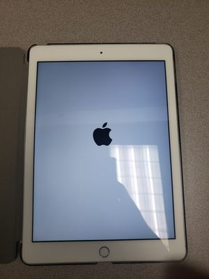 Apple iPad 5th Gen Silver - 128GB for Sale in Frisco, TX