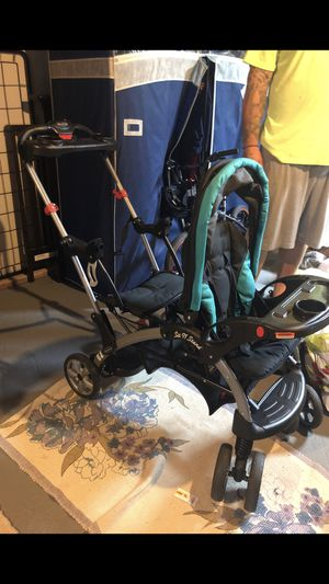 Babytrend sitnstand stroller for Sale in Ansonia, CT