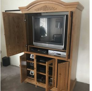 Beautiful Custom Entertainment Center Solid Wood excellent condition lots of storage for Sale in Medford, OR